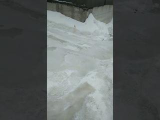 Аварийный прорыв холодной воды в  ГСК Чайка Ульяновск