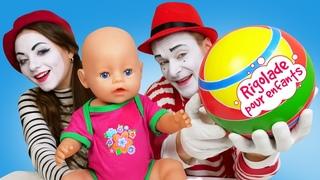 La compétition des clowns. Jeux pour enfants avec Baby Annabell. Vidéos drôles.