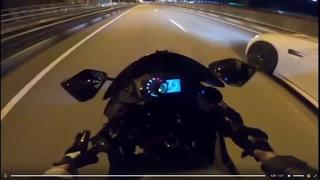 Девушка упала с мотоцикла
