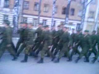 спанч боб в армии))) строевая песня