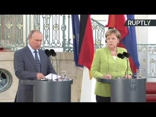 Пресс-подход Владимира Путина и Ангелы Меркель