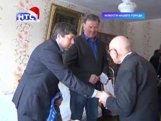 Глава города и председатель городской думы поздравили с Новым годом долгожителей Ирбита