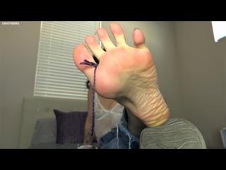 JOI-CEI-POV-У сестры под контролем (footfetish-feet-toes-femdom-rus-sissy-cuckold-фуфтетиш-госпожа-унижения-чмор-сисси-куколд)