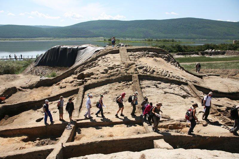 Тайна древней крепости Пор-Бажын, построенной на острове в сибирском озере, изображение №5