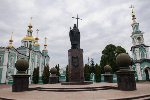 Православные тамбовчане отмечают Воздвижение Крест...