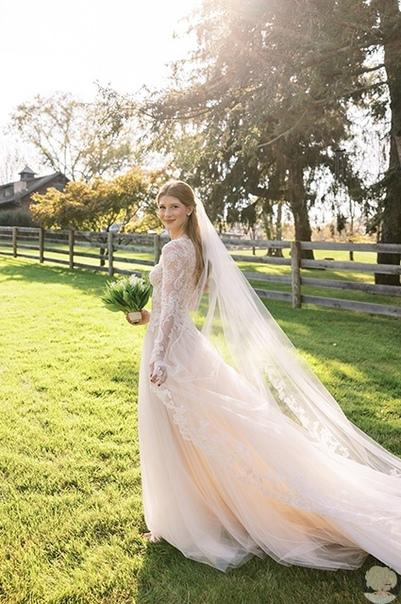 Официально жена: первые фото со свадьбы дочери Билла Гейтса
