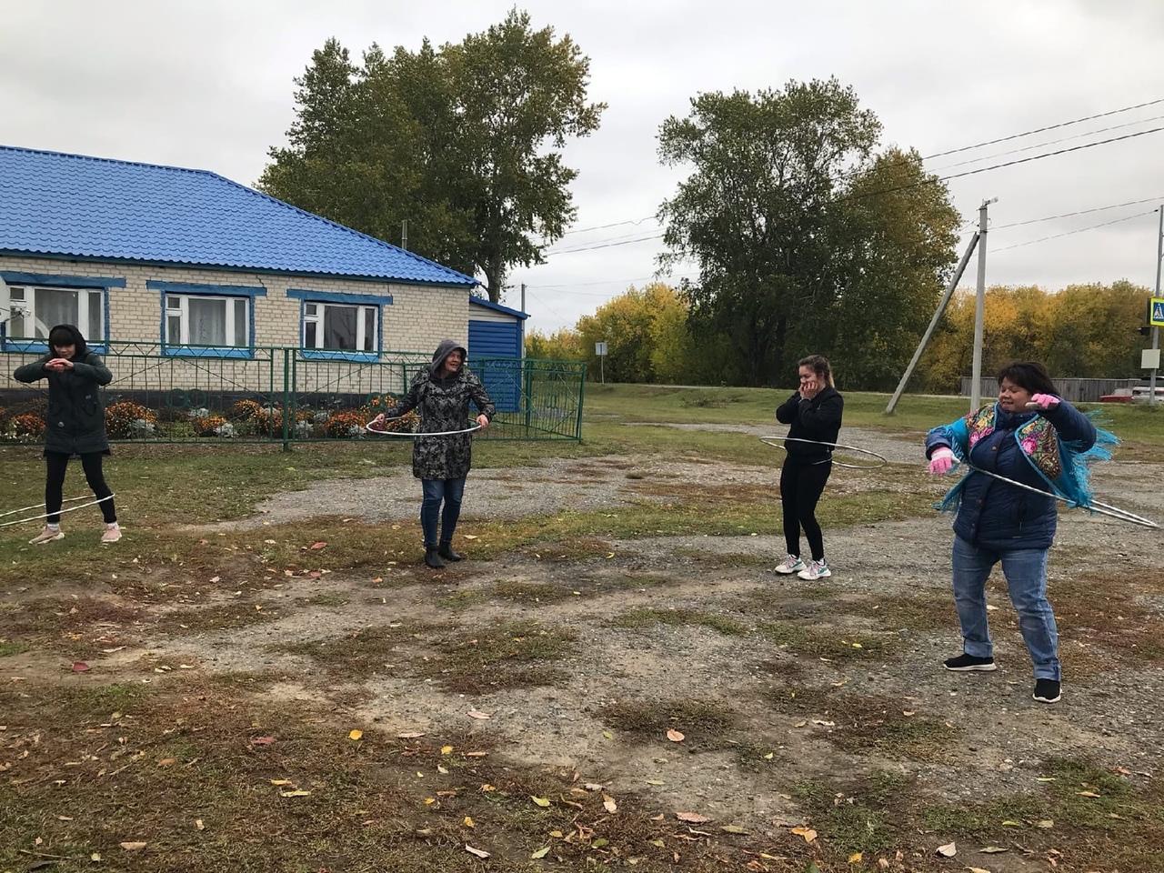 19 сентября на территориях всех сельских поселений Аромашевского района, перед избирательными участками, состоялся спортивный праздник проходивший в рамках мероприятий