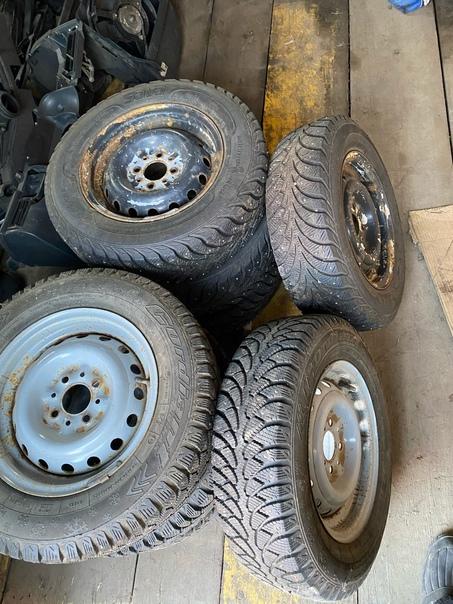 Продам колёса 13 радиус 2 комплекта 89960011901Адм...