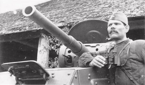 """""""51-й отдельный танковый батальон 42-й армии, осень 1941 года"""" И.Ф.Черненко."""
