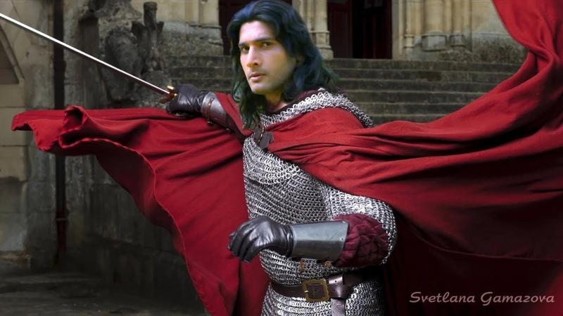 Эхем Шарма примеряет образ рыцаря